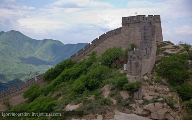Китай. Великая Китайская стена (вид не из космоса)