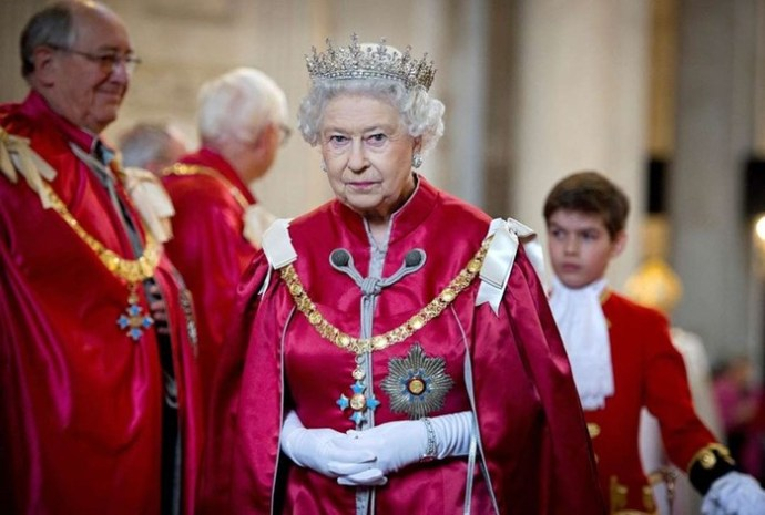 Порочность   вежливость королей. Самые необычные и отвратительные причуды европейских монархов