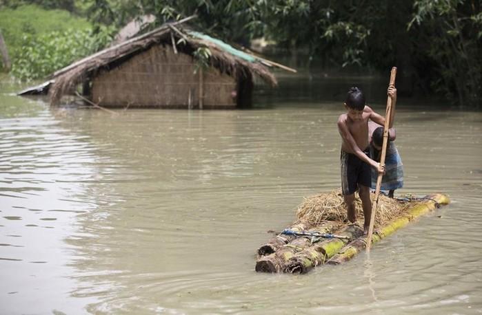 Южную Азию затопляет