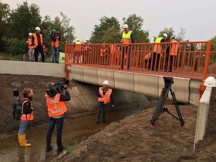 В Нидерландах открыли распечатанный на 3D принтере мост