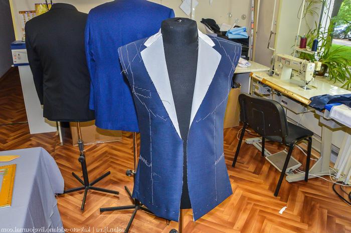 Как делают костюмы под заказ (видео)