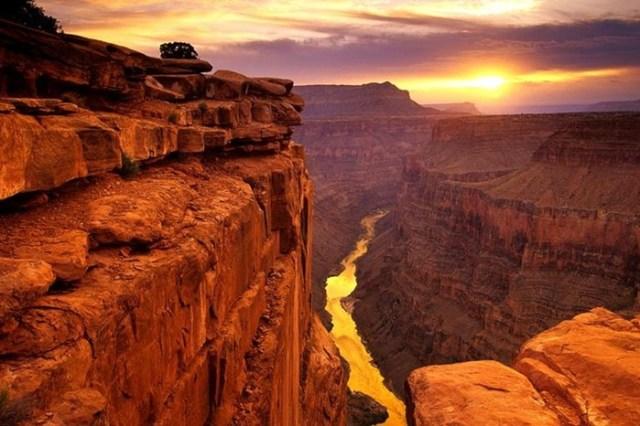 Жуткие факты о знаменитом Большом каньоне в Аризоне. Не смотри в бездну!