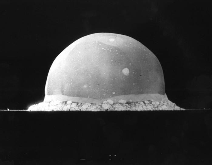 Рискованные научные эксперименты, которые могли уничтожить Землю
