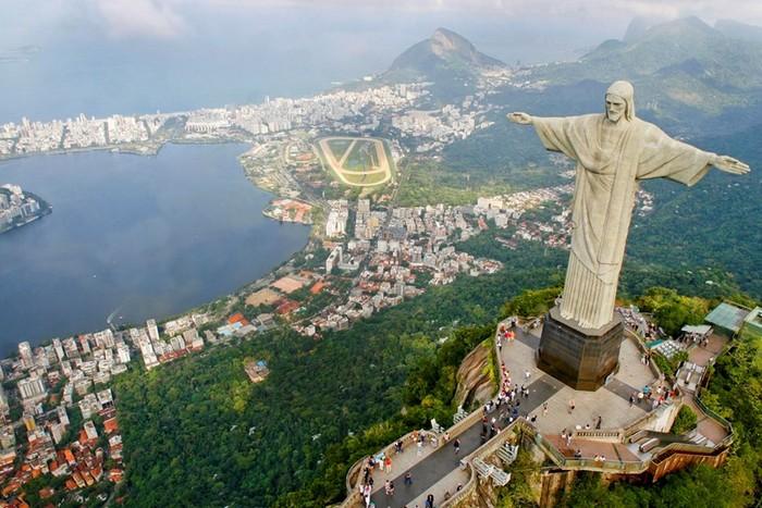 Самые популярные статуи в мире
