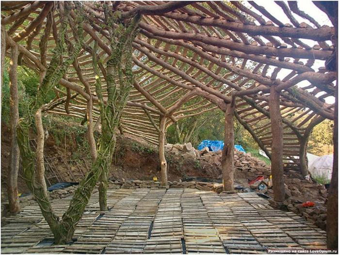 При строительстве использовались только природные материалы...