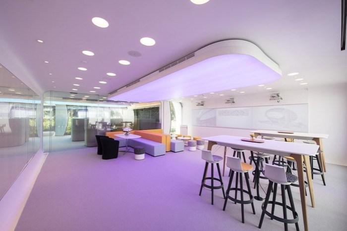 Офис будущего в Дубае, созданный с помощью 3D печати и напичканный инновациями