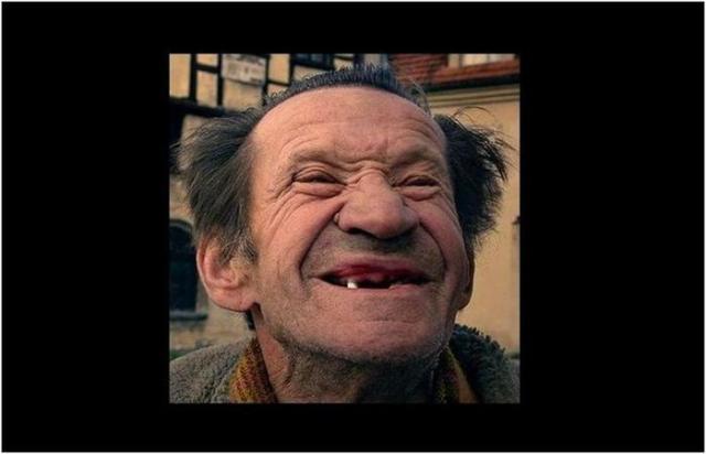 Когда люди начали улыбаться на фото? Скажите сы ы ыр»!