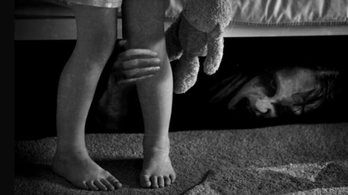 Дети монстры! Самые жуткие предметы, которые можно найти под кроватью у подростков