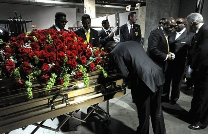 Самые пышные похороны известных людей