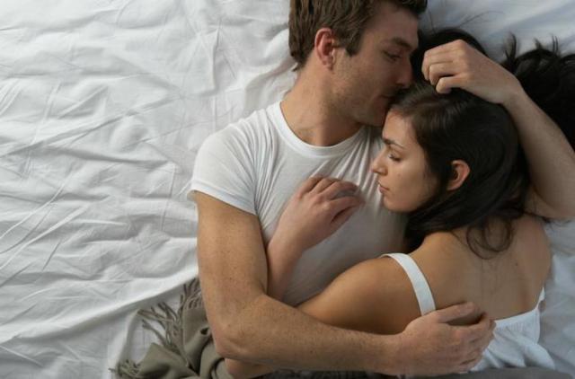 Раздельный сон супругов. Почему спать одному— полезно для здоровья