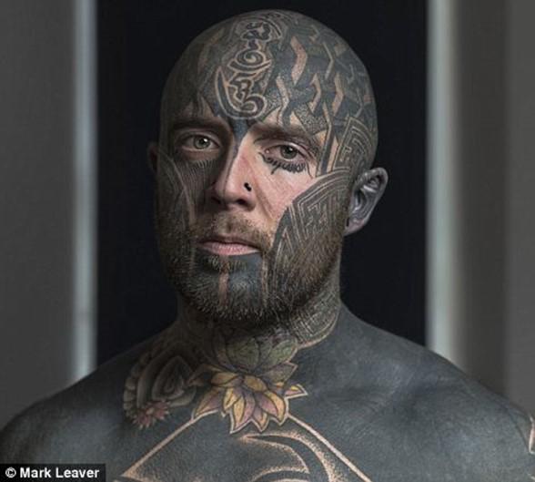 Фотографии портреты людей с татуировками на лице