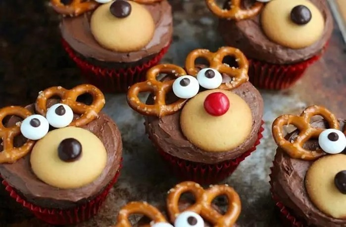30 идей для новогодних капкейков— нежные кремовые кексики
