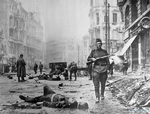 Как проходил штурм Берлина Красной Армией в апреле мае 1945 года