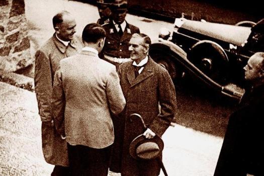 Если бы Сталин и Гитлер стали союзниками, как бы сложилась история мира