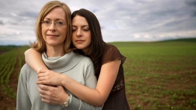 10 вещей, которым сильные мамы учат своих дочерей