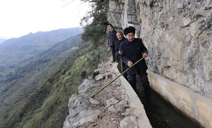 Китаец 36 лет рыл канал, чтобы обеспечить свою деревню водой