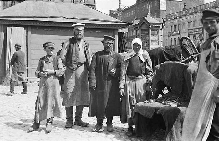 Как жили богатые и бедные люди в дореволюционной России