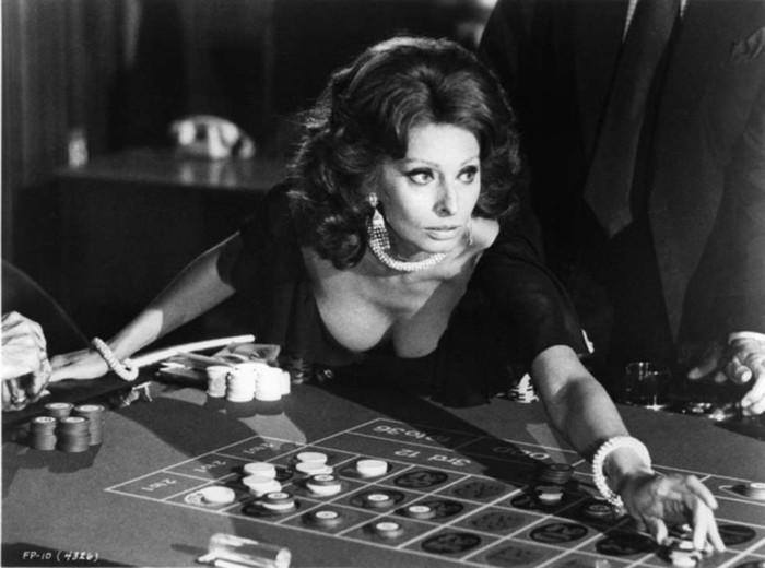 Как менялась с годами актриса Софи Лорен: эволюция стиля легенды кино