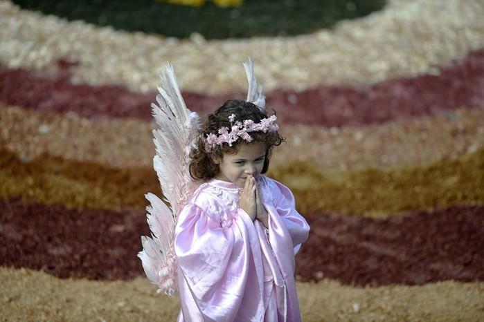 Удивительные традиции празднования Пасхи в разных странах: фотографии