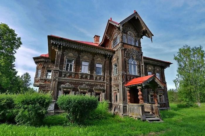 Остался только заброшенный терем от большой деревни в Костромской области