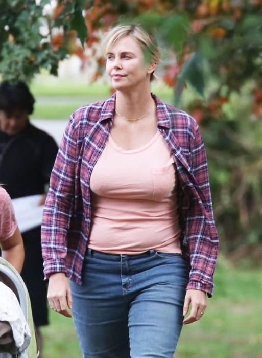 Блондинка трансформер: Шарлиз Терон набрала 23 кг для роли в новом фильме