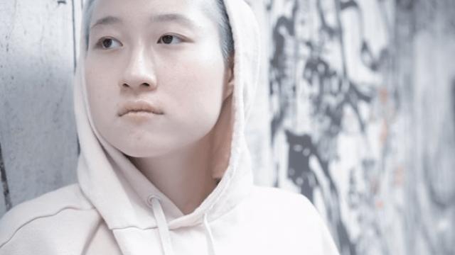 Почему дочь Джеки Чана со своей девушкой ночует под мостом