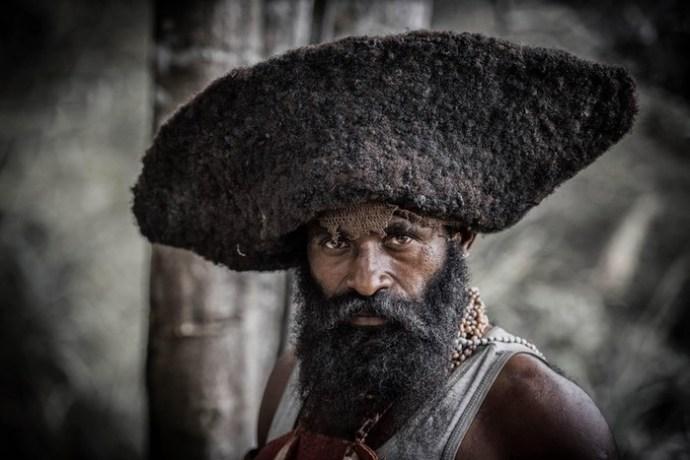 Колоритные папуасы и традиция шрамов из Папуа Новой Гвинеи