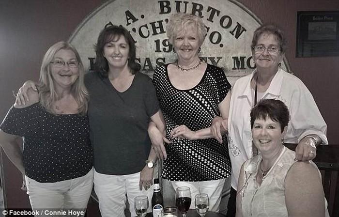 Американка нашла 12 тайных детей своего отца многоженца