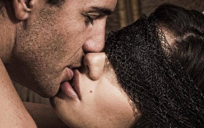 Первый поцелуй, или Как правильно целовать парня