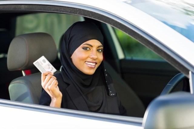 Как правильно научиться водить автомобиль