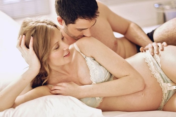 Касается ли пенис плода во время секса