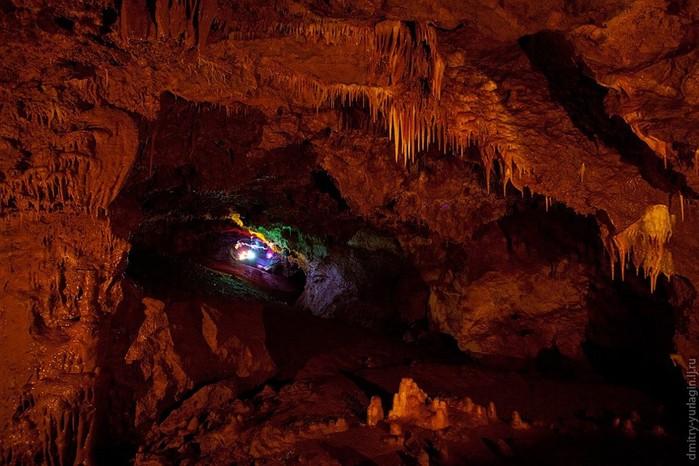 Экскурсия по Женевской пещере в Красноярском крае