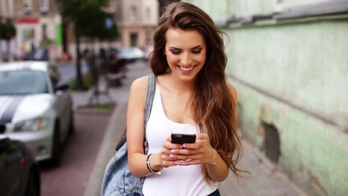 Как подготовить смартфон к отпуску: что нужно взять и настроить