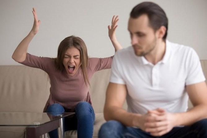 Какие женщины чаще всего устраивают семейные скандалы