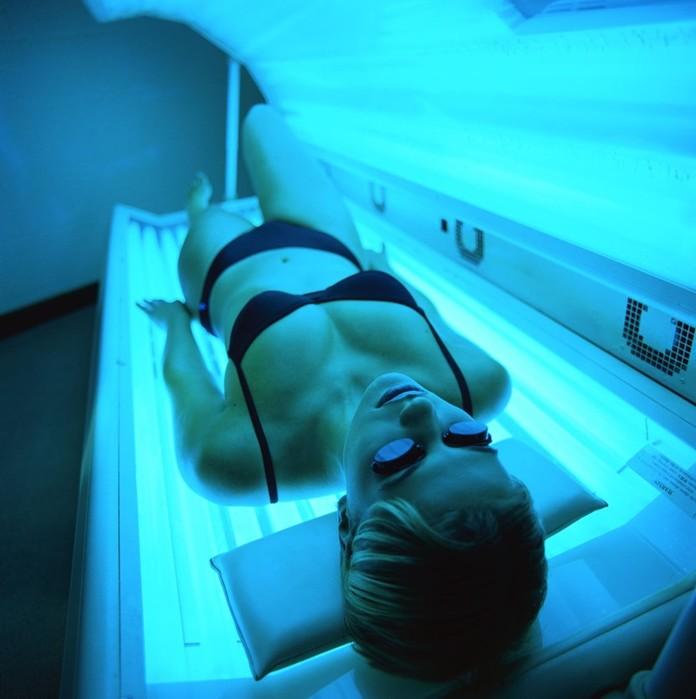 Насколько безопасно загорать в солярии? Несколько рекомендаций