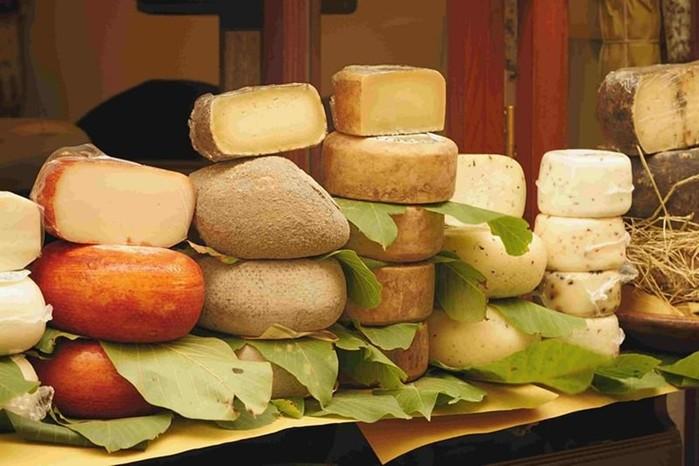 5 самых полезных видов сыра