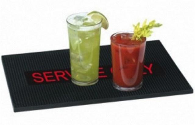 10 особенных алкогольных коктейлей, одни названия которых вгоняют в ступор
