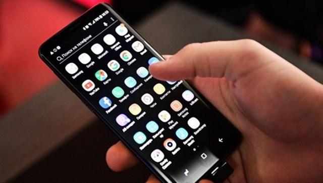 Названы лучшие смартфоны года