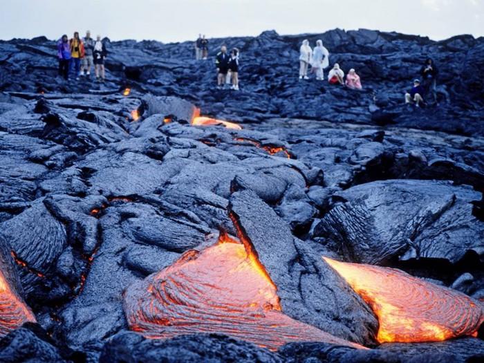 10 активных вулканов, открытых для посещения. Опасный туризм