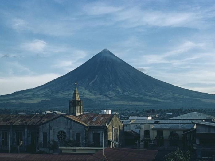 10 активных вулканов, которые открыты для посещения туристами