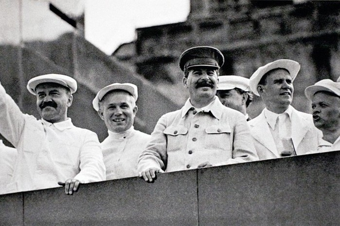 Сколько двойников было у Сталина?