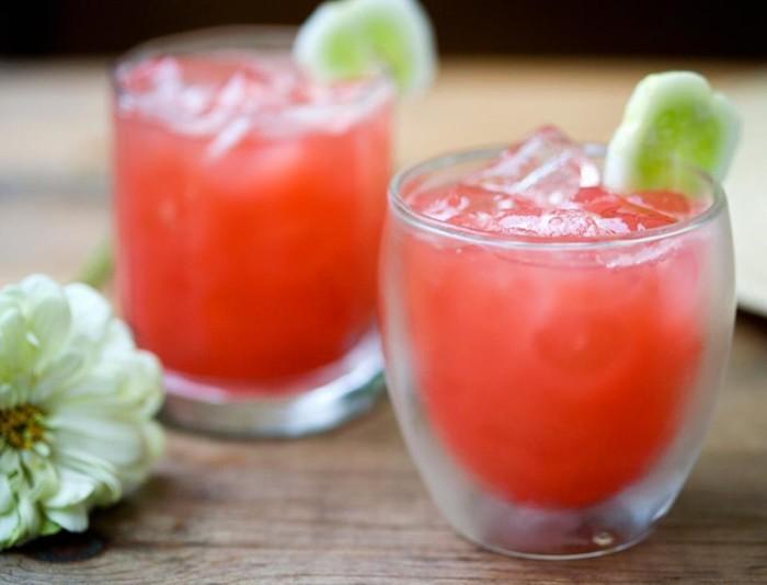 Как приготовить коктейль с клубникой