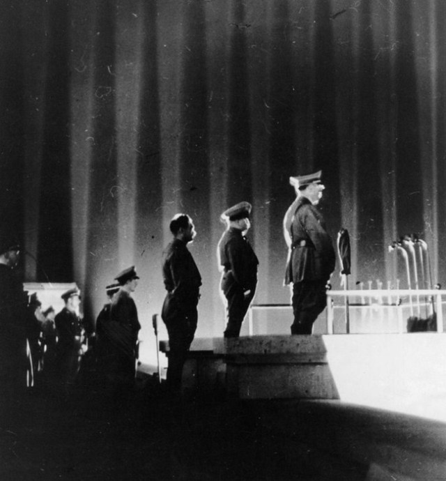Как выглядел нацистский «Собор Света»