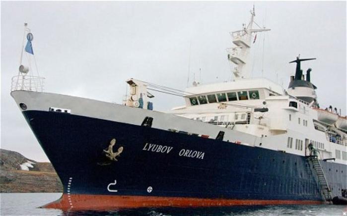 Как круизный лайнер «Любовь Орлова» стал «Летучим голландцем»