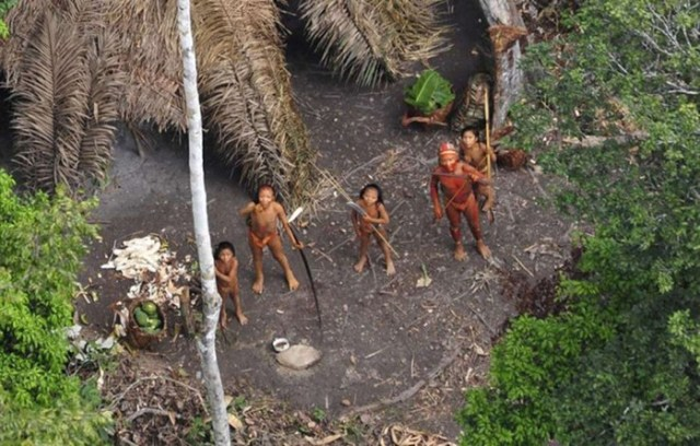5 агрессивных и очень опасных народов, живущих в изоляции от остального мира