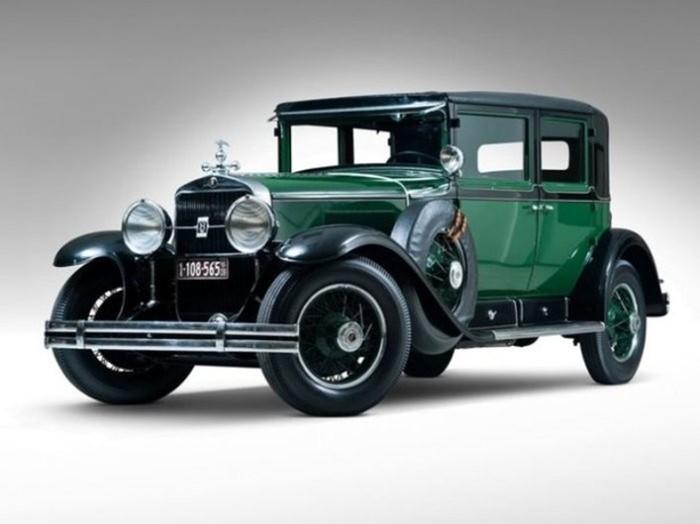 10 культовых автомобилей, которые особенно любили бандиты разных стран
