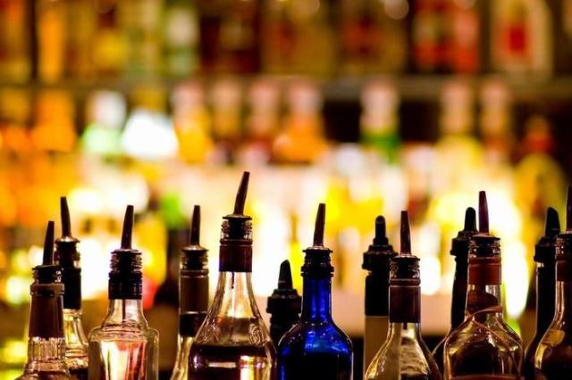 Какие алкогольные напитки вызывают самое сильное похмелье