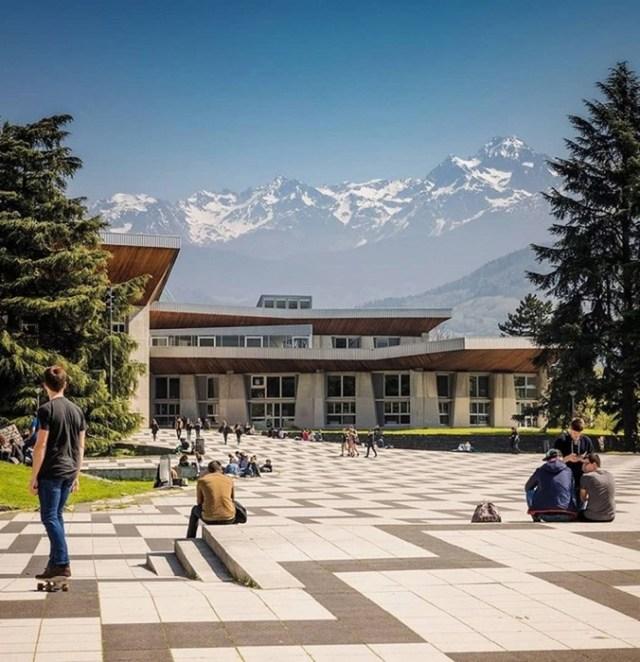 Самые красивые университеты мира: топ 10 зданий универов разных стран