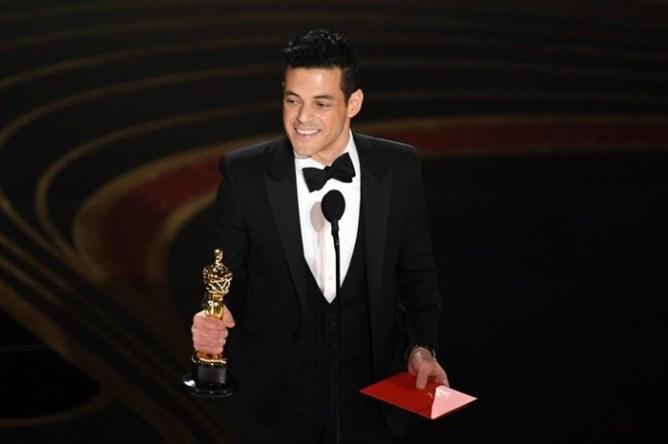 Лучшим актером стал исполнитель роли Меркьюри вфильме «Богемская рапсодия»