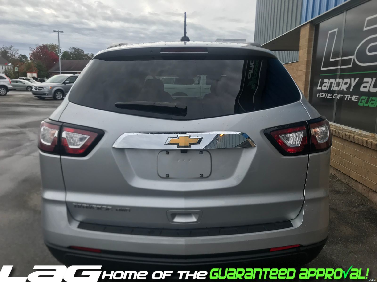 hight resolution of 2017 chevrolet traverse ls img 4
